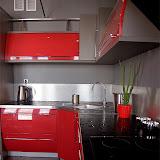 Czerwona kuchnia                                   Piękne szafki                                                                                   www.adastol.com                                            Zapraszamy