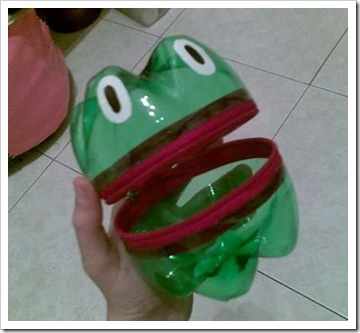 plastic-bottle-frog-01