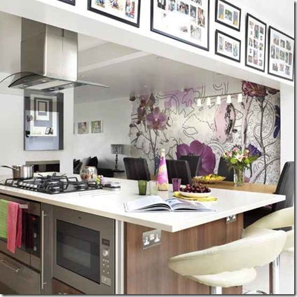 kitchen_wallpaper_ideas_statement_wallpaper