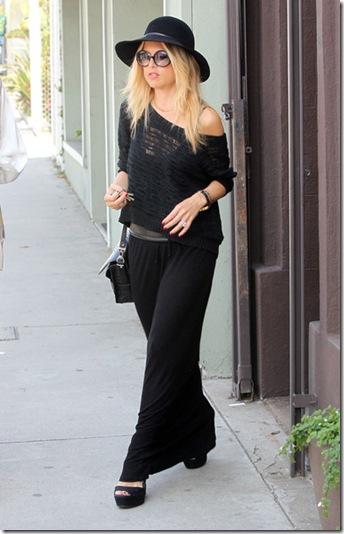Rachel Zoe Out Shopping Alexander McQueen bXzF1y8_E3Tl