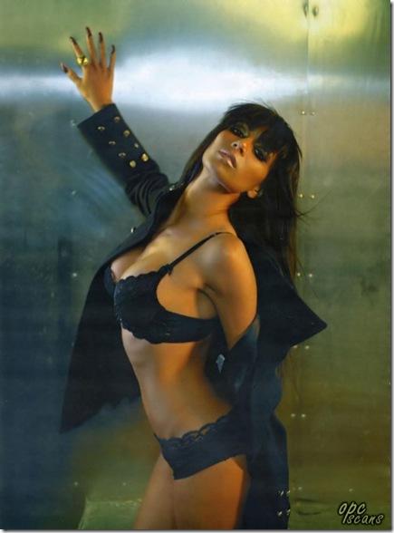 Nicole-Scherzinger-In-Maxim-006