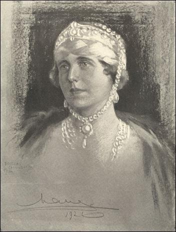 queen Marie-Chandor