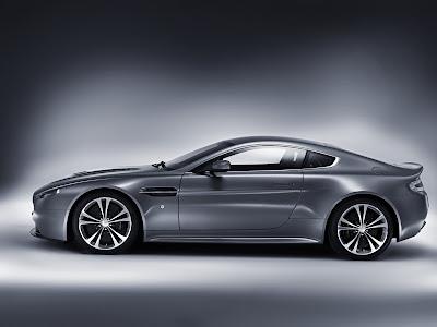 Aston Martin V12 Vantage 2010 - 1