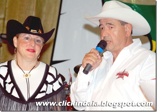 Vania Barreto, da Fisk, e Sérgio Almeida, do Clube de Rodeio (Crédito: Fábio Alexandre)
