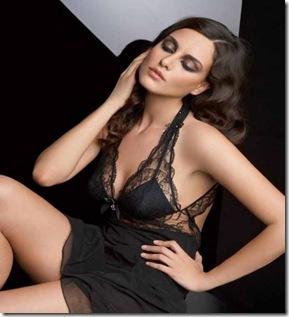 Catrinel Menghia- modella romena