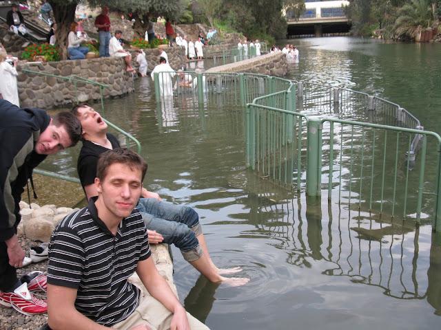 Zegar, Damian i Haju przygotowani do chrztu
