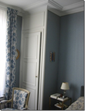 Blue bedroom, closet