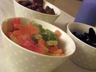 Prikkete skåler med snop