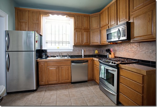 2122 Center_kitchen