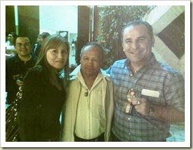 Addy y Mario con Miguel Canto