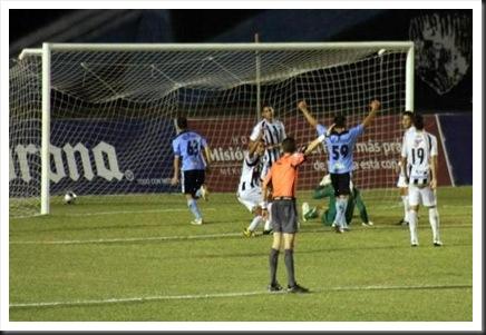 Foto Milenio. Gol de Sebastían González 1-1