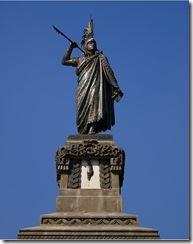 Estatua de Cuauhtemoc en el Paseo de la Reforma, México