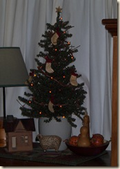 kitchen xmas tree 09