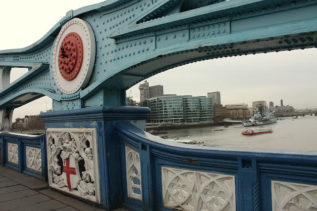 Detail mostní konstrukce Tower Bridge.