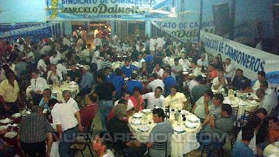 Sindicato de Conductores de Camiones festejando inauguración de su nueva sede San Lorenzo, cena en la Sociedad Española
