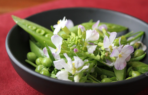 Suger Snap Pea and Daikon Radish Flower Salad