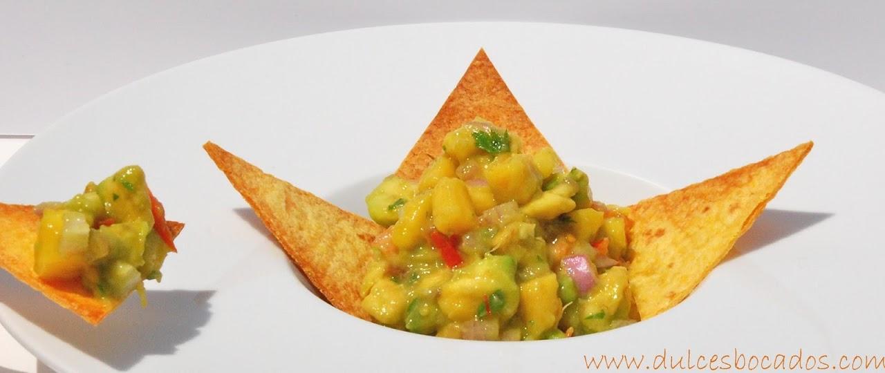 guacamole de mango con totopos