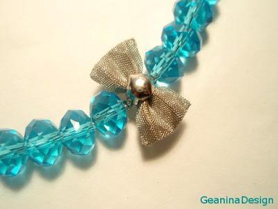Colier din cristale Swarovski albastre cu incheietoare din argint, detaliu.