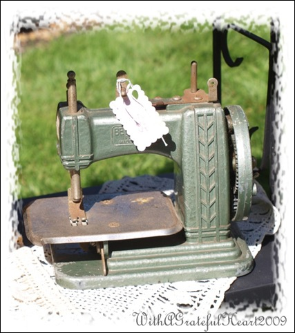 Laurie Sewing Machine