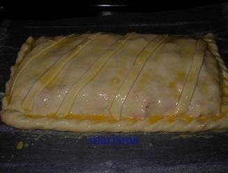 empanada de bonito en bandeja horno con huevo