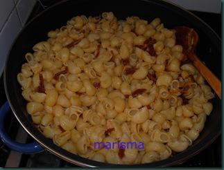 caracolas con tomate y bechamel-3
