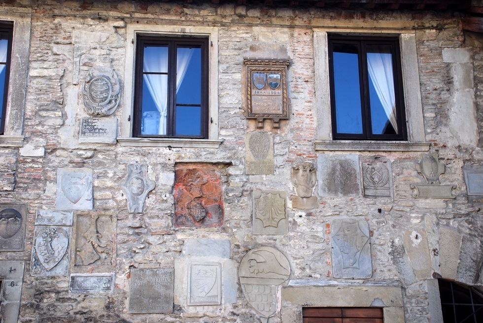 [2-Palazzo dei Capitani[2].jpg]