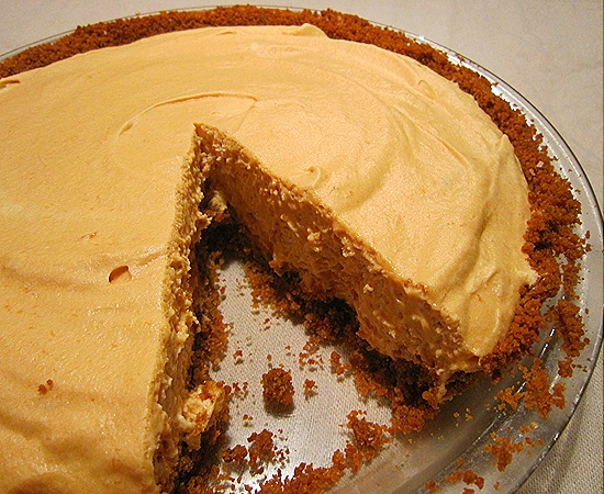Butterschotch Pie with Gingersnap Crust
