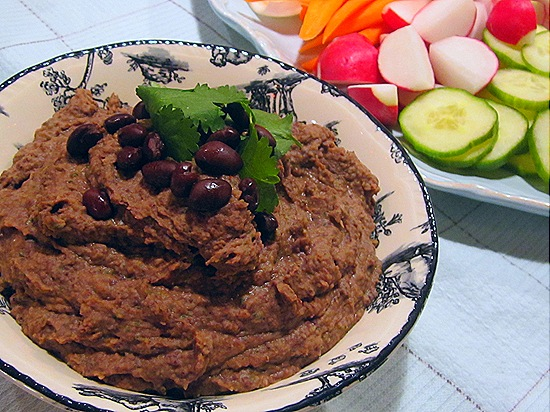 Black Bean Dip with Vegetable Crudites