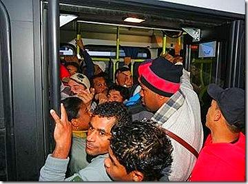 ônibus-lotado-2