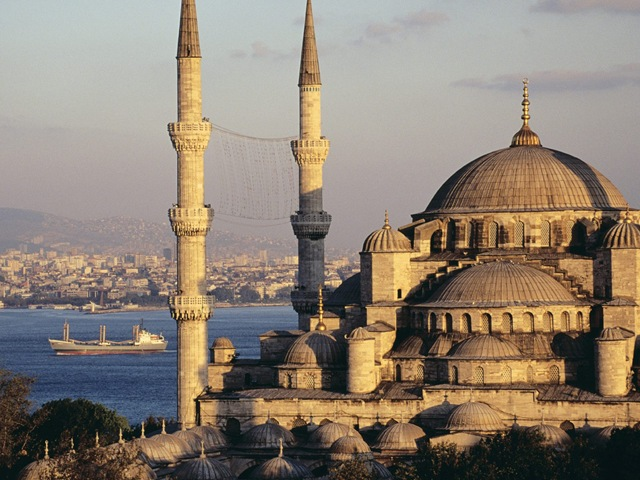 [blue20mosque20and20the20bosphorus20istanbul20turkey1[22].jpg]