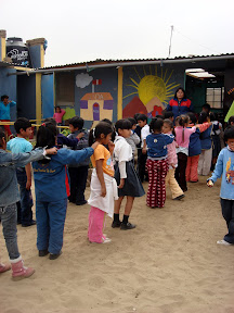 Distancia, Firma, Atencion at USDA School (Alta Trujillo, Peru)