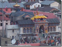 badrinath-temple-view