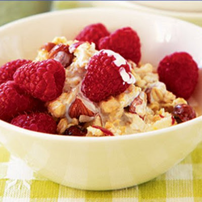 Honey Muesli with Raspberries and Hazelnuts