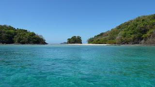 Isla Cavada, Islas Secas.