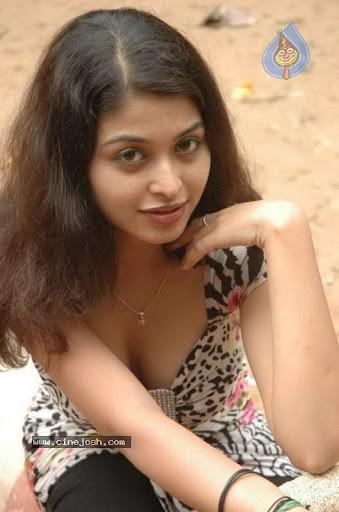 Naga Sri Hot Cleavage Photos