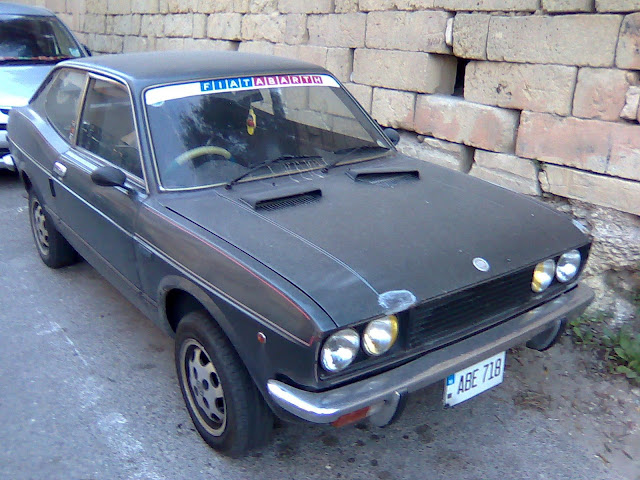 Fiat 128 sport coupe front