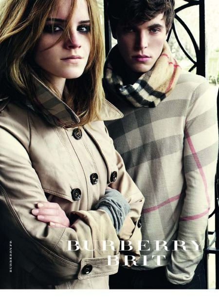 Vogue n899 - Aout 2009-burberry-brit