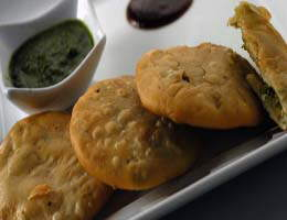 Recipe Of The Day:Green Peas Kachori (By Sanjeev Kapoor)