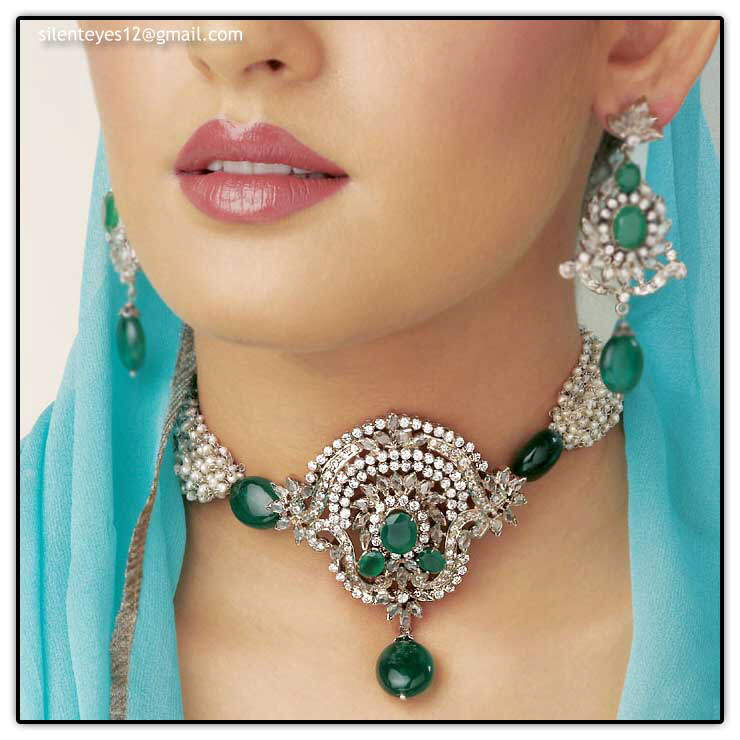 * Beautiful Jewelry With Beautiful Models*