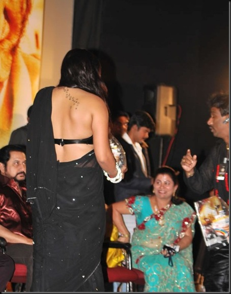 Namitha-tattoo-on-back-picture