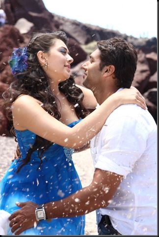 Engeyum-Kadhal-Movie-Stills-24