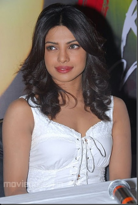 priyanka_chopra_latest_photos_pictures_stills_03
