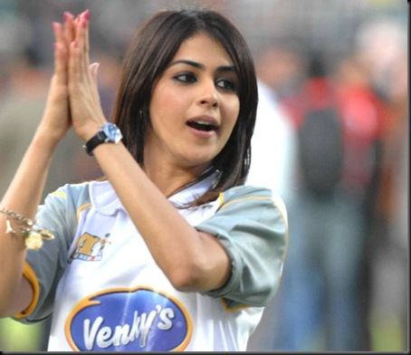 Genelia-cheers-at-Celebrity-Cricket-League-T20-4