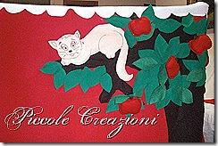 gattino su albero feltro