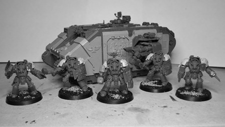 Ultramarines Assault Terminators with Landraider (800x450)