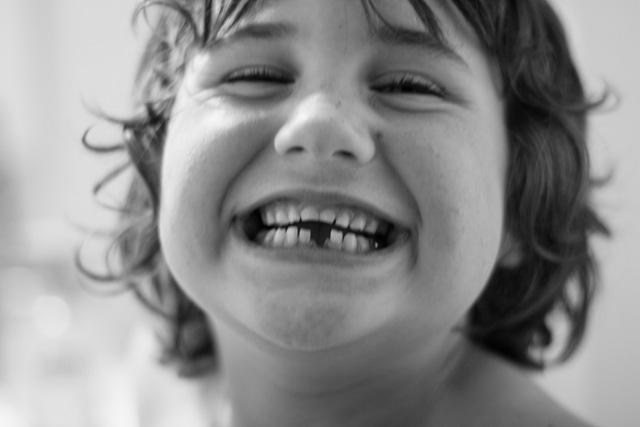 [tooth2[6].jpg]