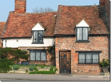 Crooked-Cottage-In-Thame-(2)