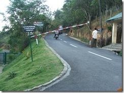 Way to Ponmudi park