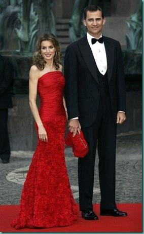 letizia-principe-felipe-vestido-look-boda-suecia