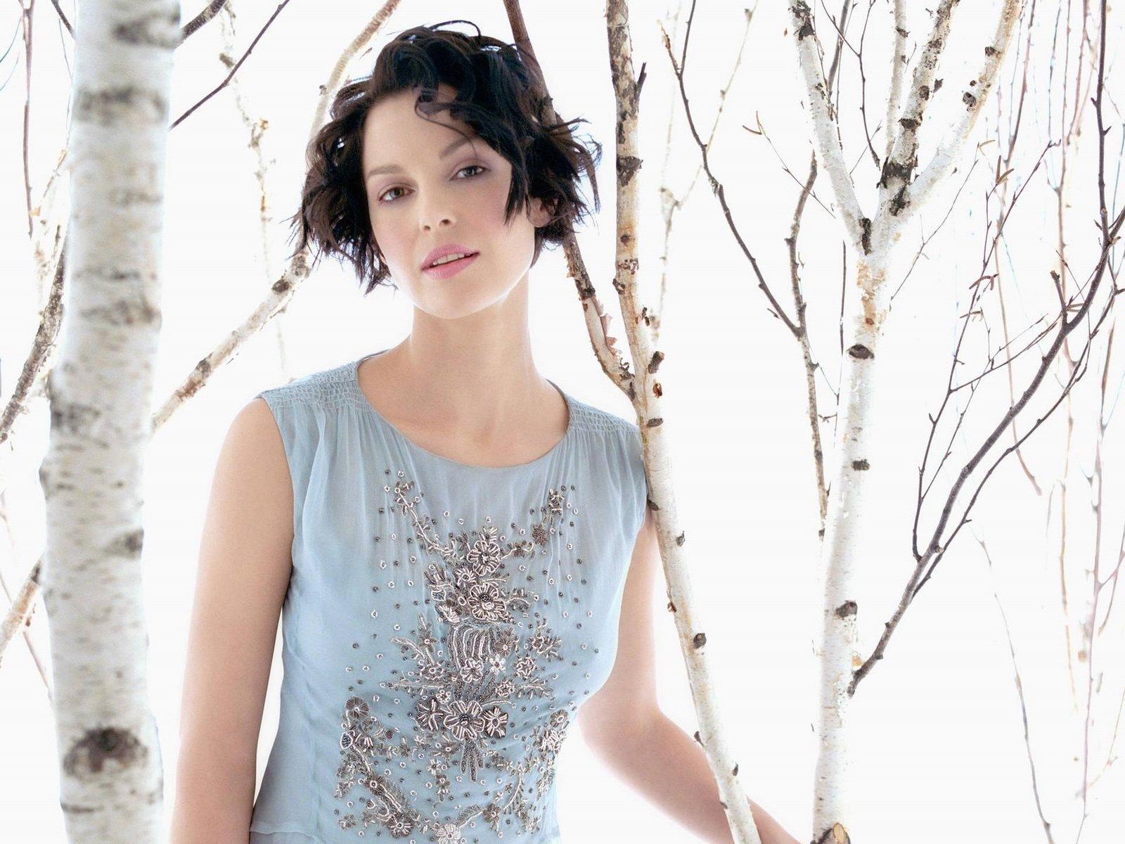 [Ashley Judd 6 1600x1200 hqmodelwallpapers[2].jpg]